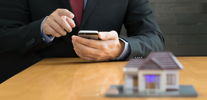 Real Estate Agents Use Texting to Simplify Home Buying